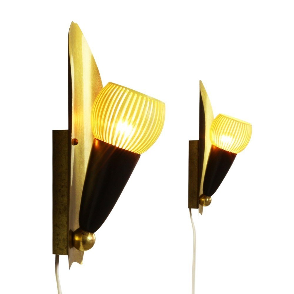 Set of two sophisticated art deco style wall lights, 1950s