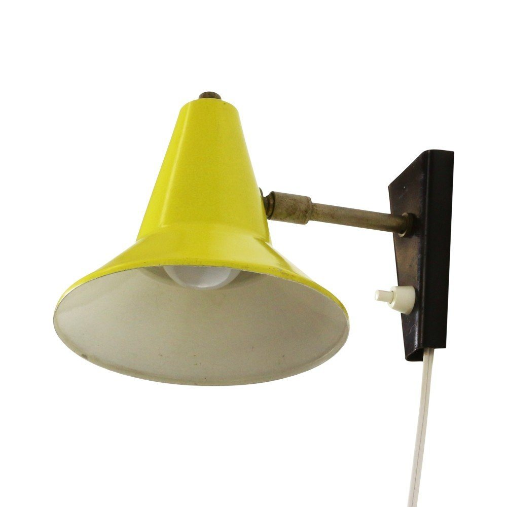 Small yellow wall light, 1960s #1174